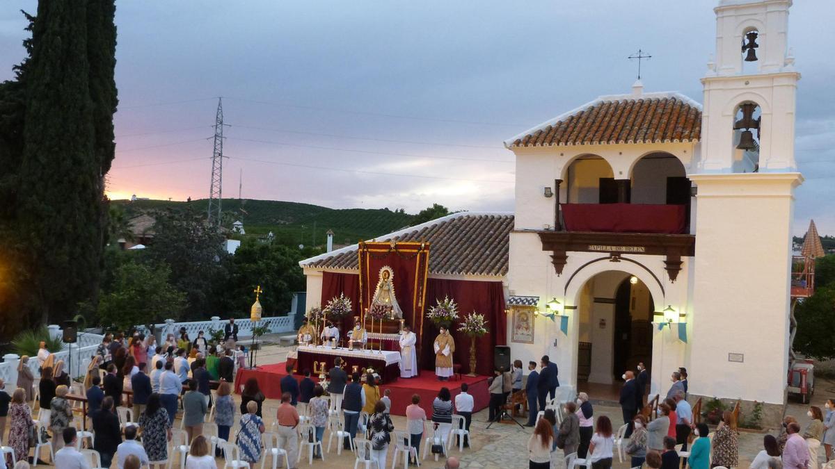 Un momento de la misa por el 350 aniversario de la hermandad de la Virgen de Belén de Palma del Río.