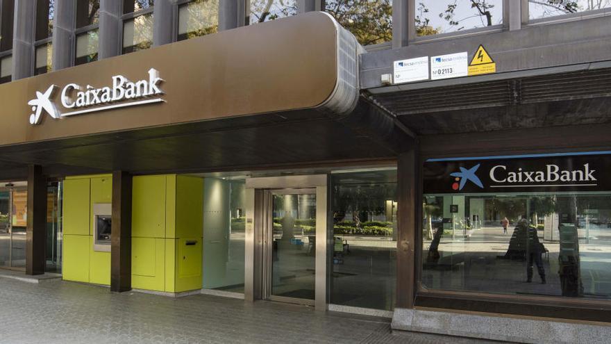 CaixaBank començarà a substituir la marca Bankia a les oficines catalanes a partir de dimarts