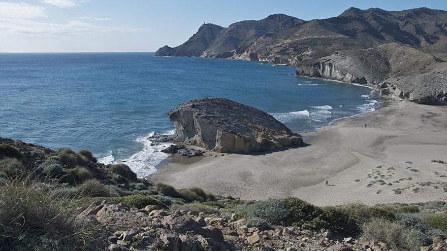 Mueren ahogados dos bañistas en una cala de Almería