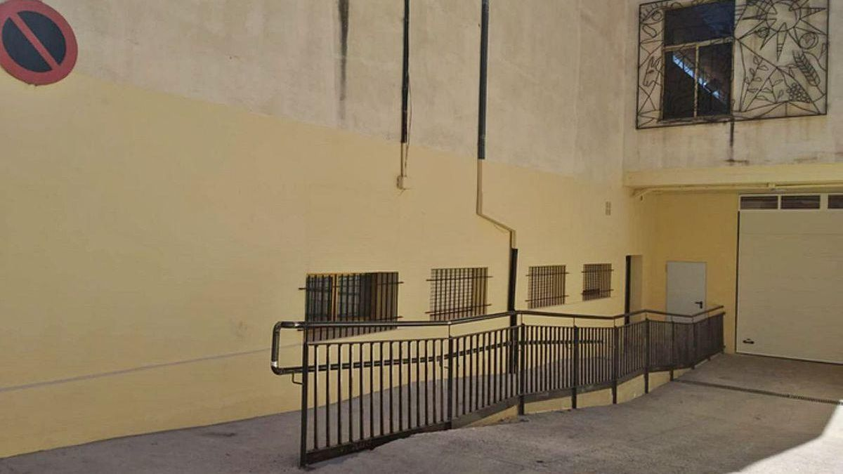 Uno de los edificios municipales que se pretende decorar con graffitis.