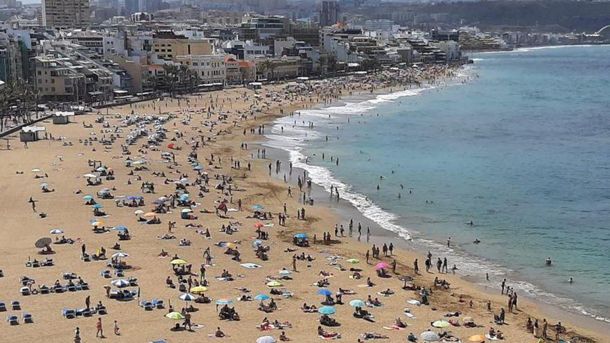 El verano comienza en Canarias con tiempo estable y una ligera subida de las temperaturas