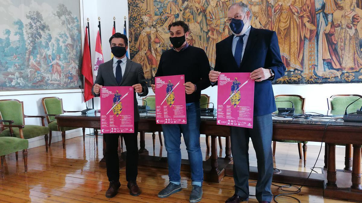 De izquierda a derecha, Zapatero, Del Bien y Rus presentan la programación cultural