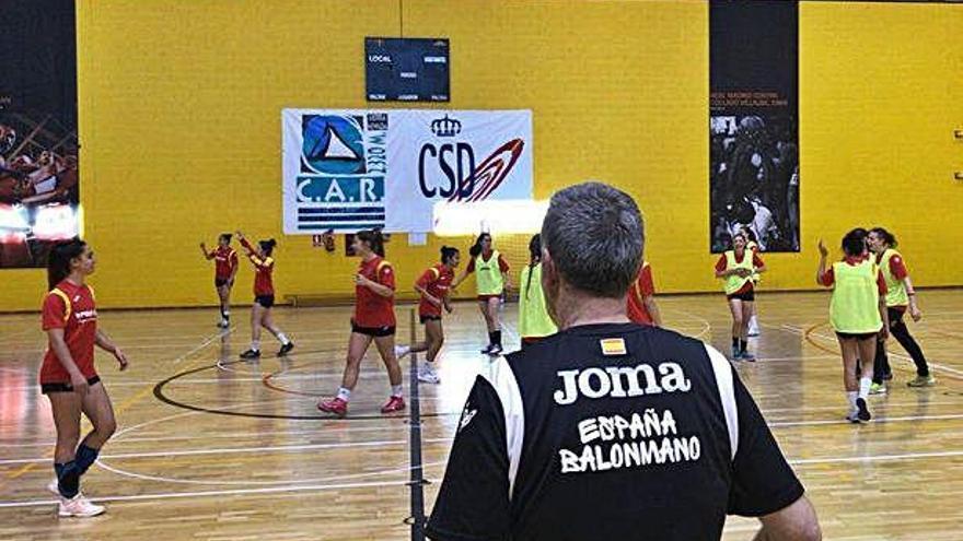 Elba Álvarez, concentrada con la selección junior