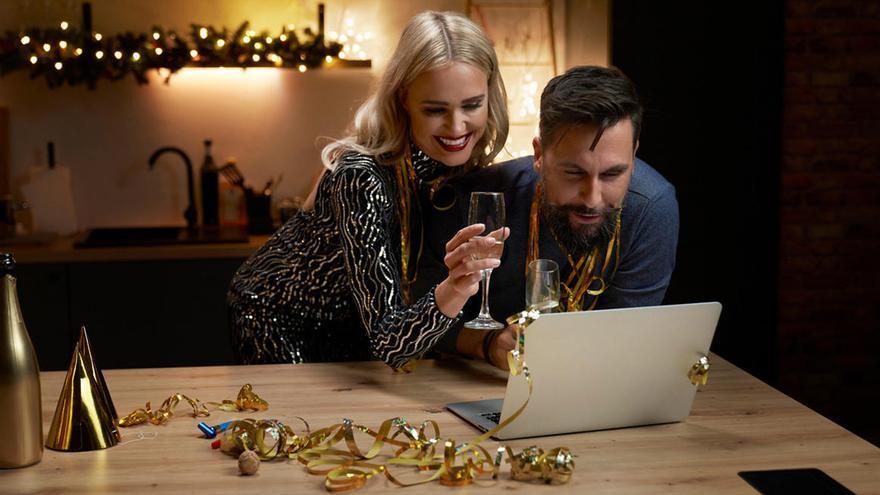 Trucos y gadgets para verte perfecta en tus zooms navideños