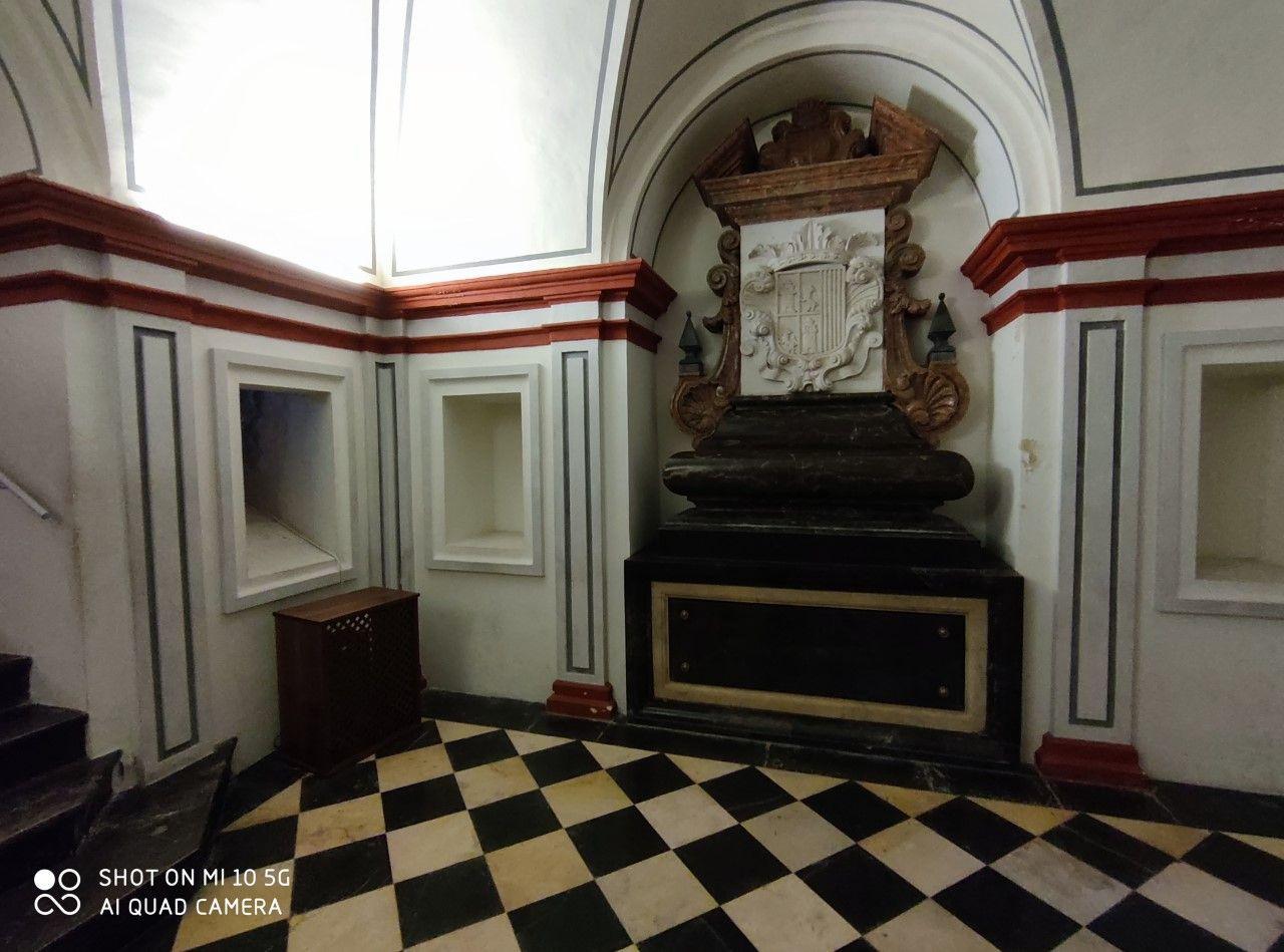 San Miguel de los Reyes: El rayo de luz que marca la posible tumba de los duques de Calabria