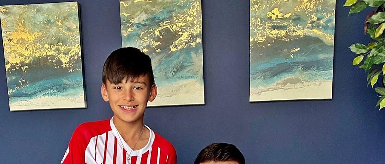 Diego y Ayoze García, ayer, en su casa de Indianápolis. | A. G.