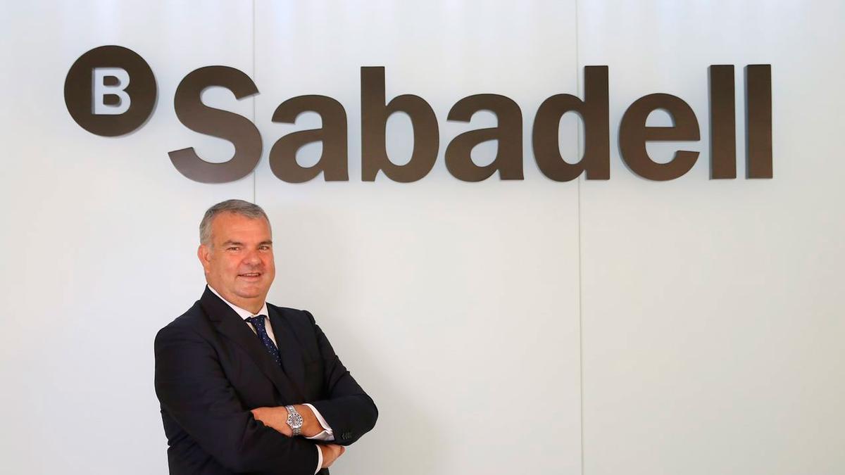 El director Territorial Este de Banco Sabadell, Fernando Canós, destaca la importancia de Balears para la entidad bancaria.