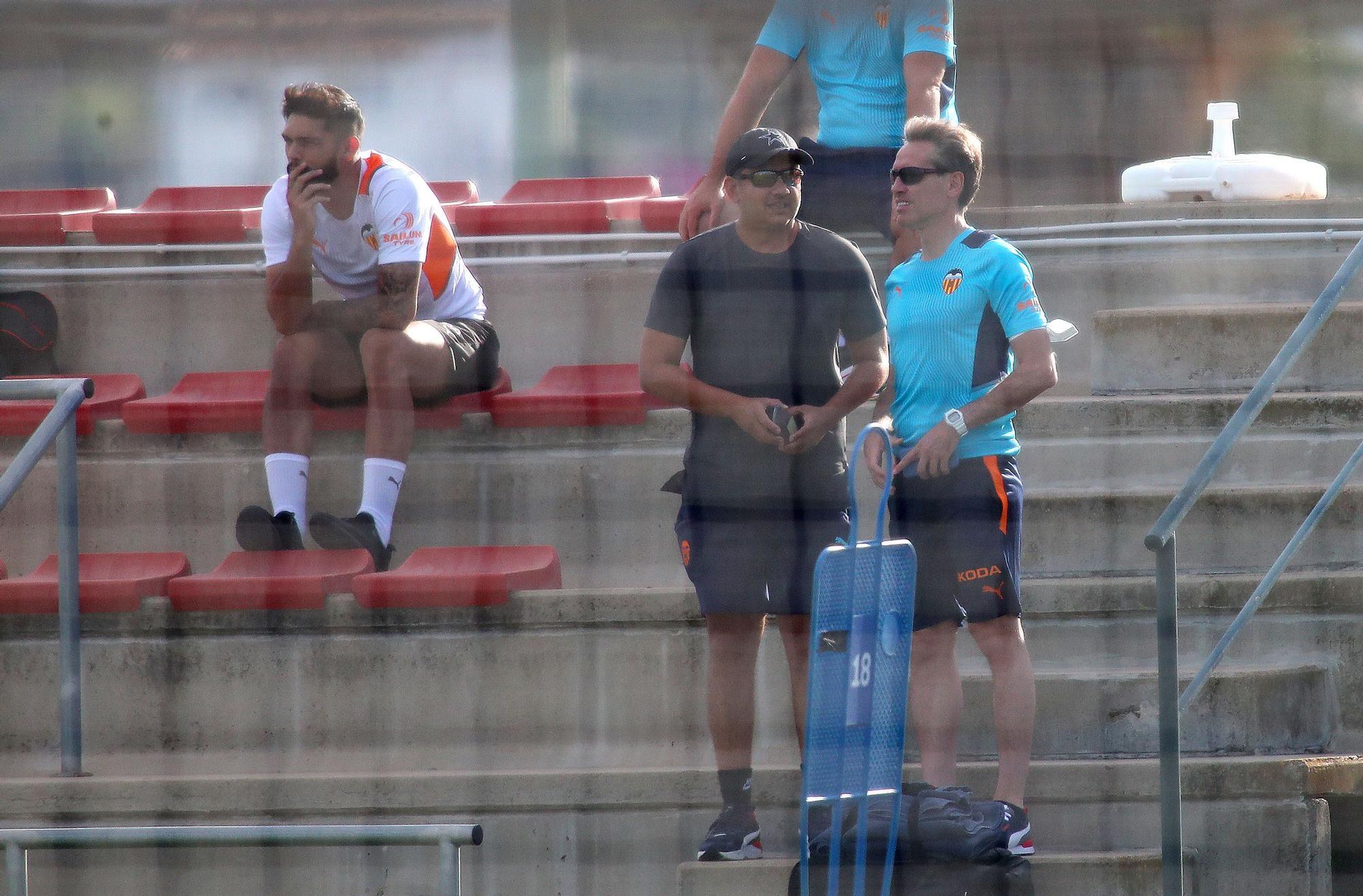 Las imágenes del entrenamiento del Valencia CF en Oliva