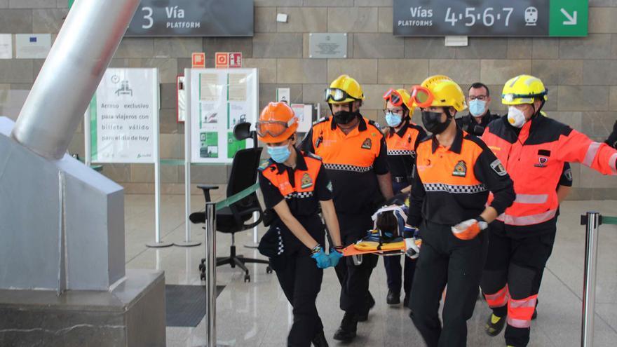 Más de medio centenar de efectivos participan en el simulacro de terremoto en Antequera
