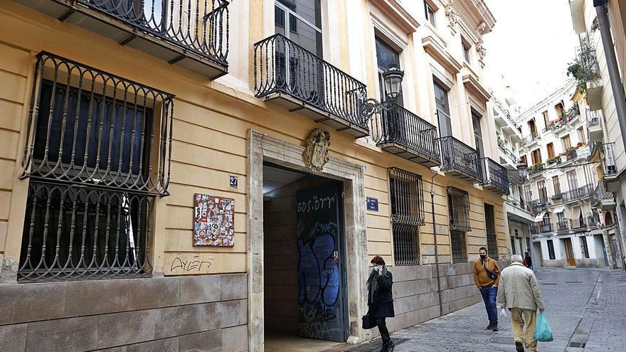 Un brote en una residencia de València deja un fallecido y unos 40 positivos