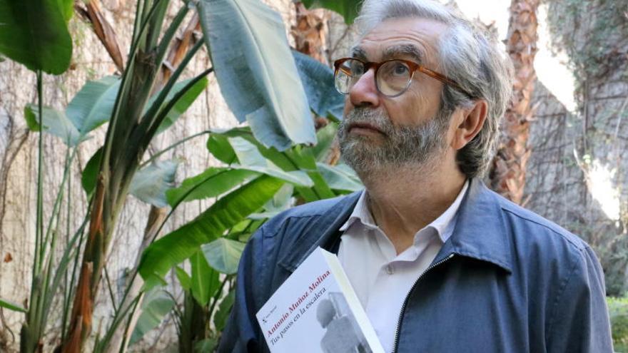 Muñoz Molina: «Mentre escric, els problemes de la vida real estan en suspens»