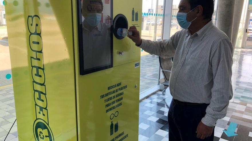 Ecoembres y Baleària impulsan el reciclaje con fines sociales en las estaciones marítimas de València y Dénia