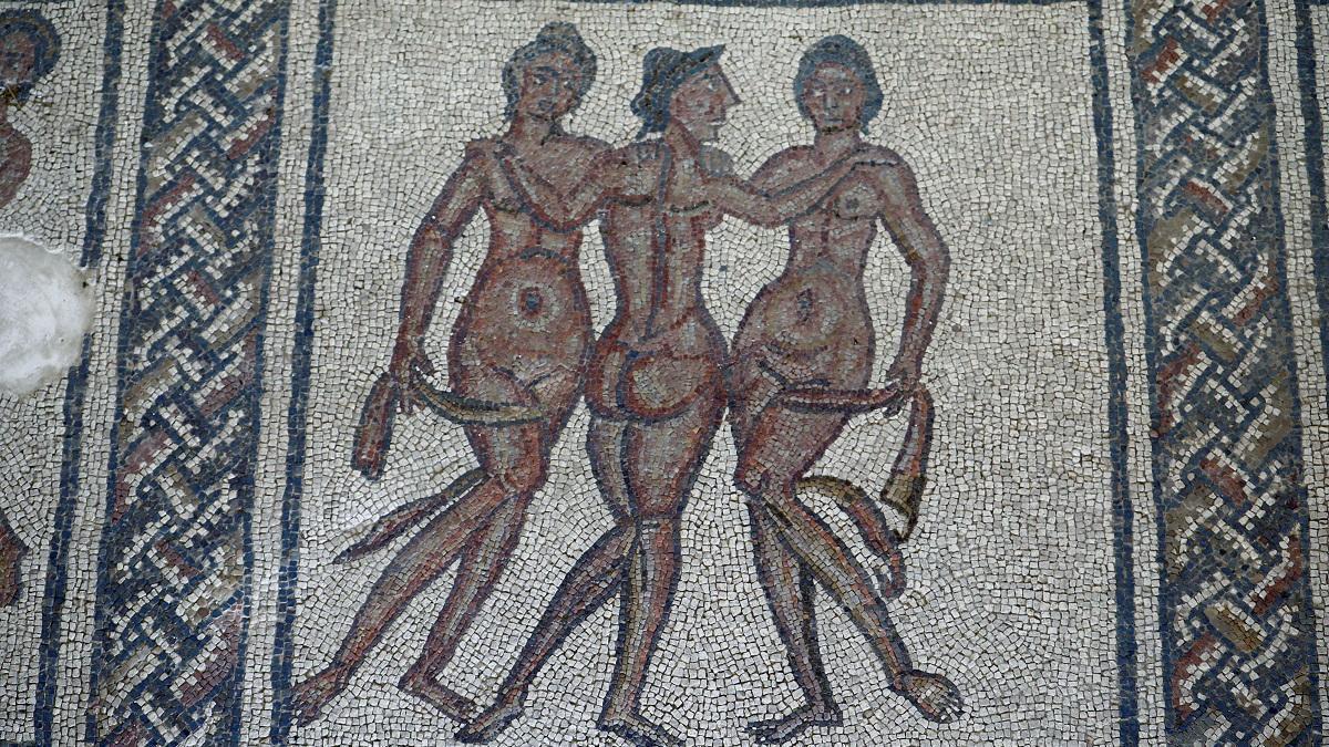 """El mosaico conocido como """"Las Tres Gracias""""."""