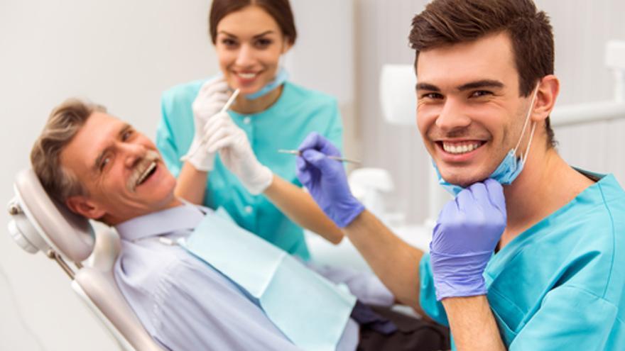 Vitaldent busca higienistas dentales y recepcionistas para sus clínicas de la provincia de Alicante