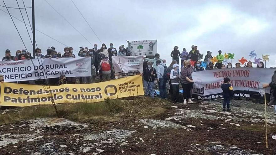 Vecinos del rural reivindican un Monte do Gato libre de eólicos