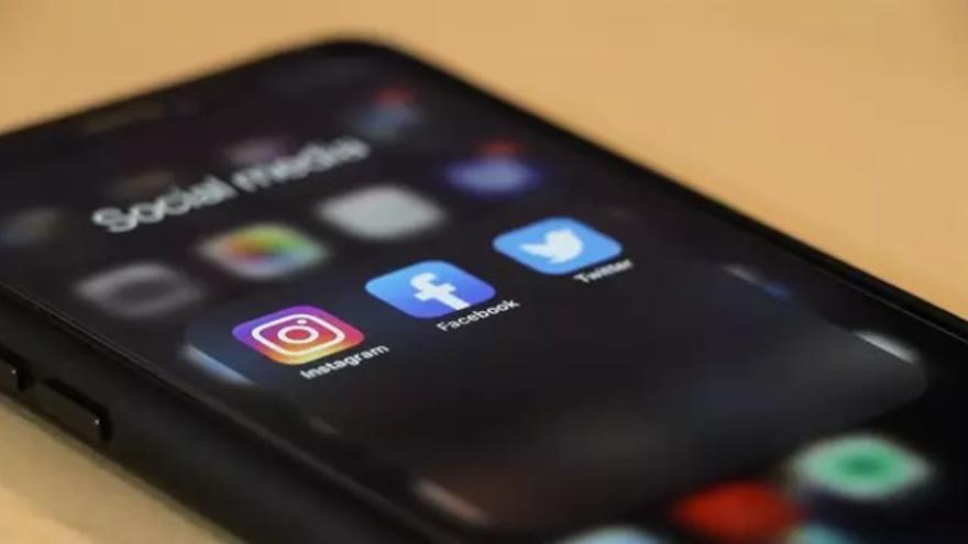 Detienen a familiares de un presunto maltratador por robarle el móvil a su exmujer