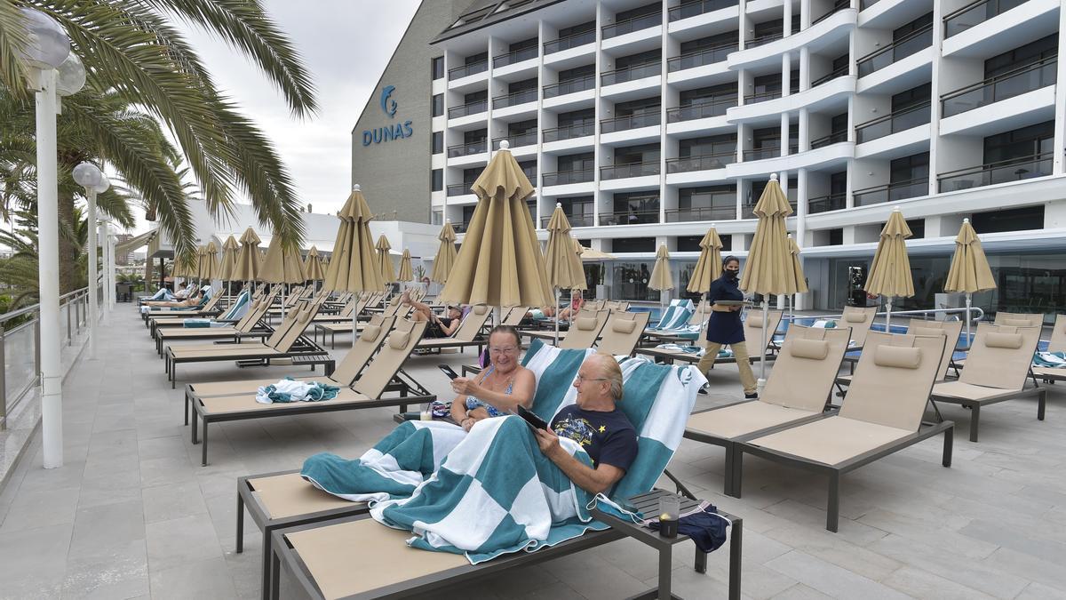 Durante febrero estaban abiertos 7.261 hoteles, un 42,9% menos que hace un año.