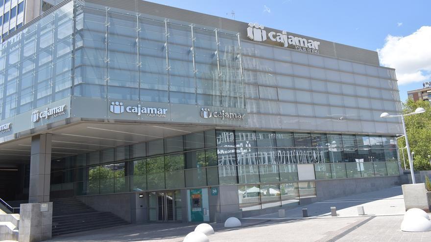 Cajamar vende una cartera inmobiliaria de 500 millones a Cerberus