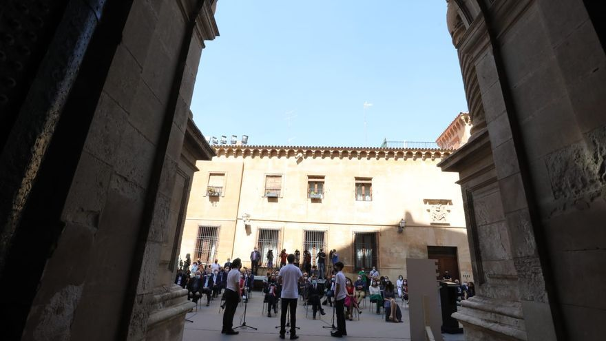 Los cantores del Misteri d'Elx, en la celebración del XX Aniversario como Patrimonio de la Humanidad por la Unesco