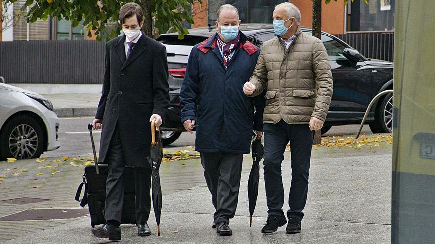 Los cinco investigados por enchufismo en O Carballiño deciden no declarar