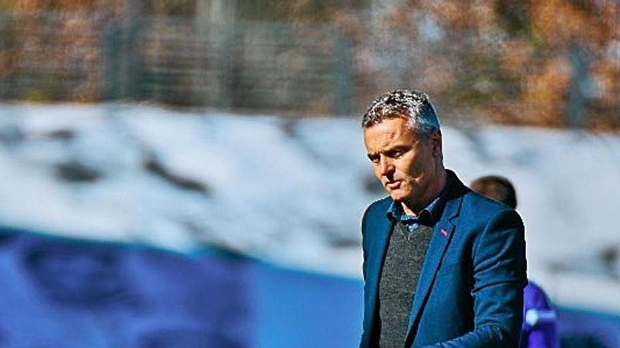 Escribá: «El equipo debe  salir reforzado de este partido»