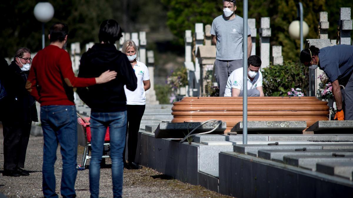 En España, la esperanza de vida ha disminuido en 1,24 años.