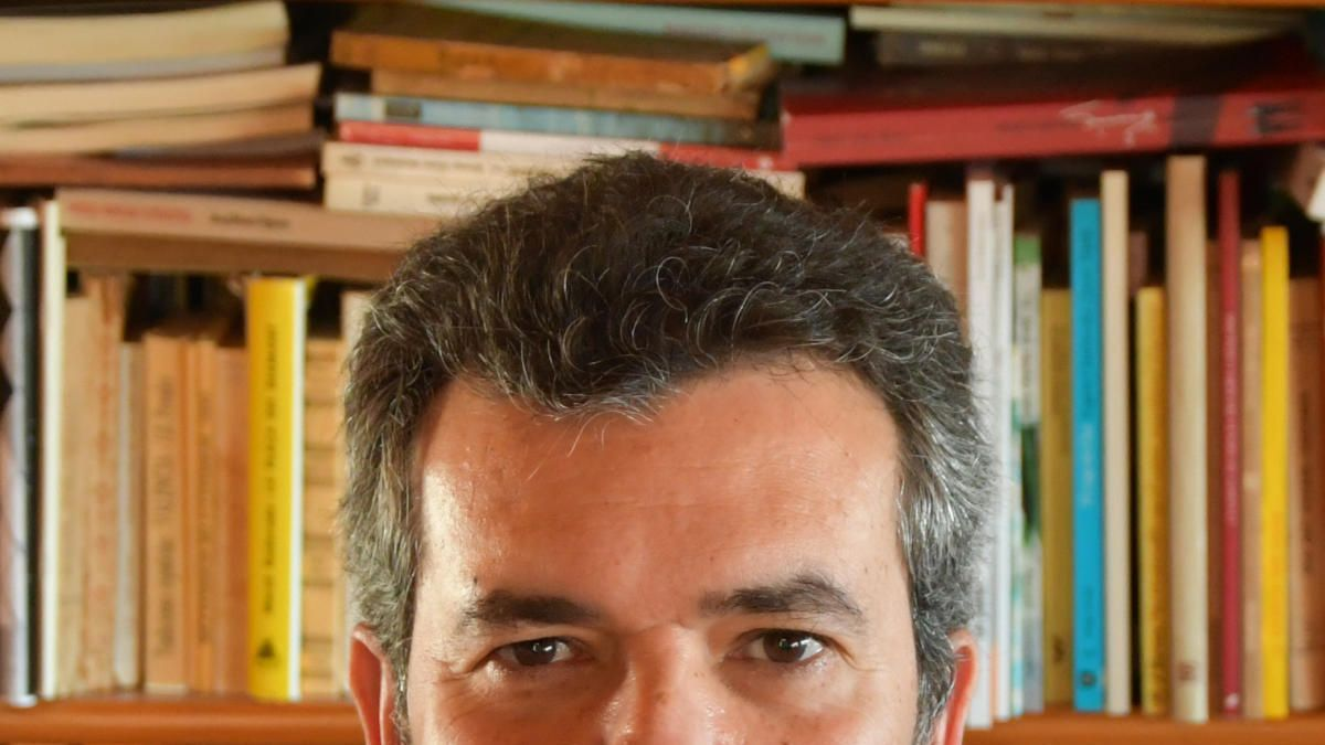 "Joan Borja gana el Premi València 2020 de ensayo por ""Enric Valor, memòries"""