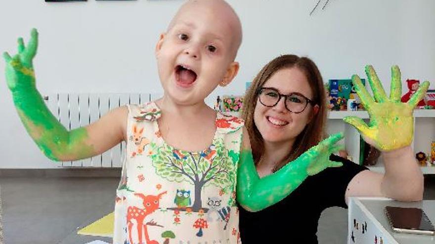 Piden poder cuidar a su hija con cáncer «todo el tiempo» en Nules