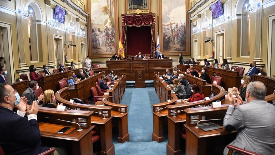 El Parlamento canario condena el racismo y la xenofobia