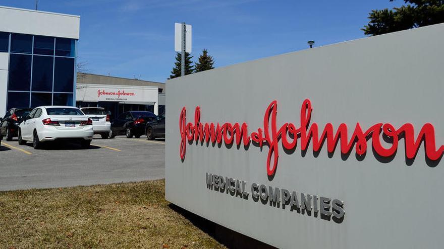 Vacuna Johnson & Johnson: Frenan los ensayos por la enfermedad de un  voluntario