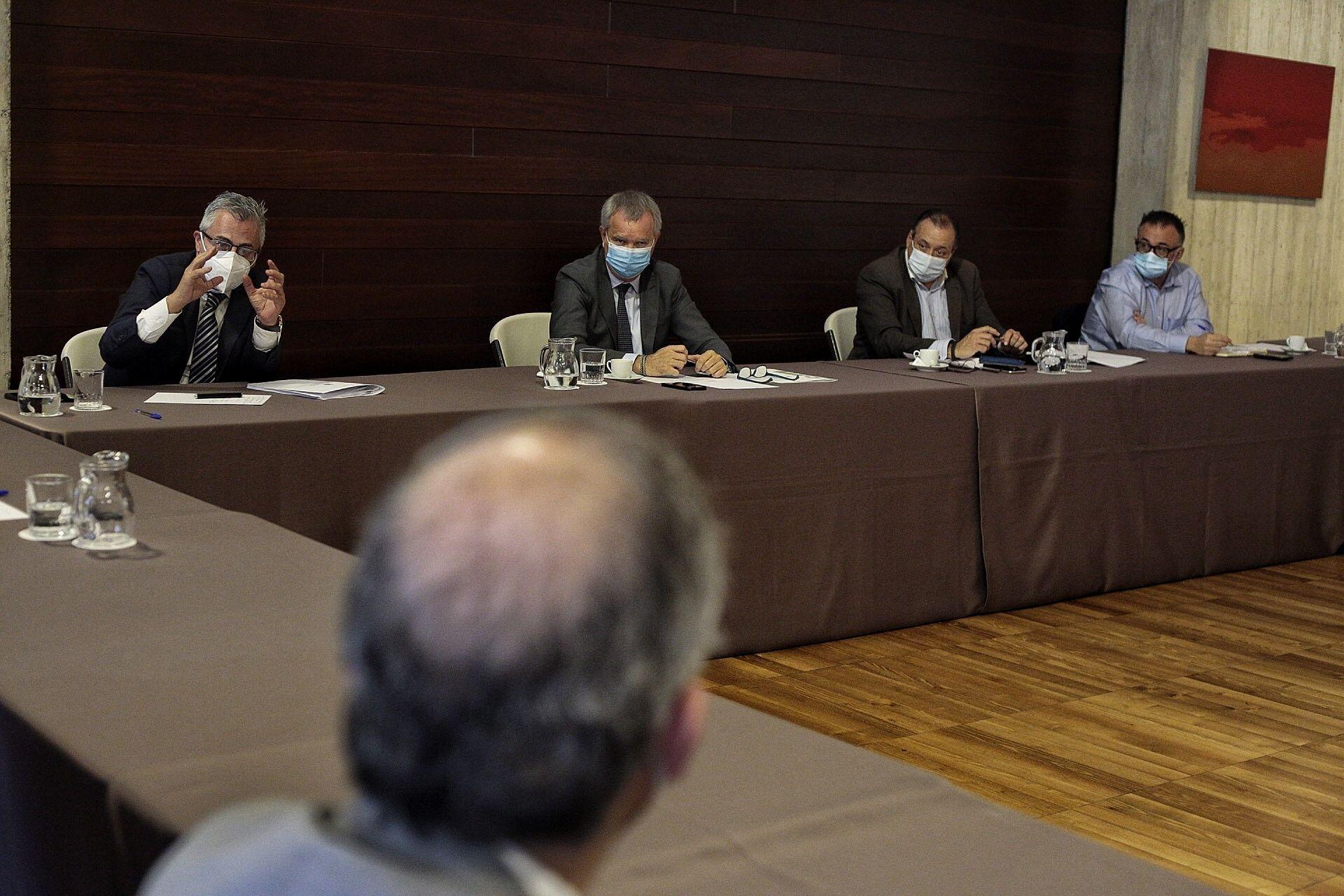 Nuevas medidas en el transporte terrestre de Canarias por el coronavirus