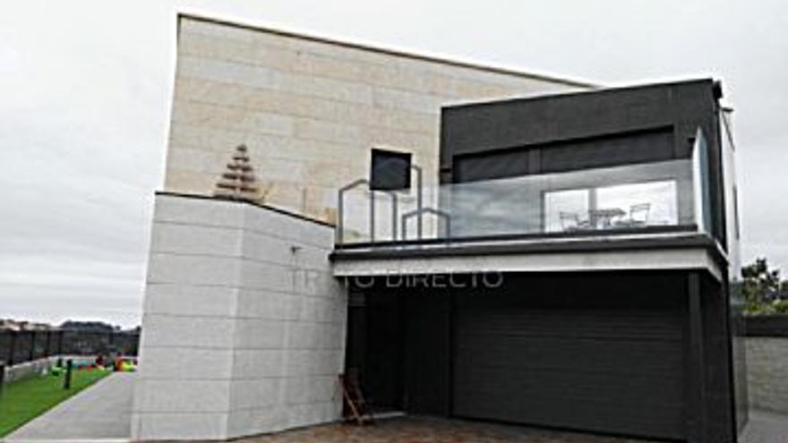 598.000 € Venta de casa en Matamá, Beade, Bembrive, Valadares, Zamáns (Vigo), 6 habitaciones, 4 baños...