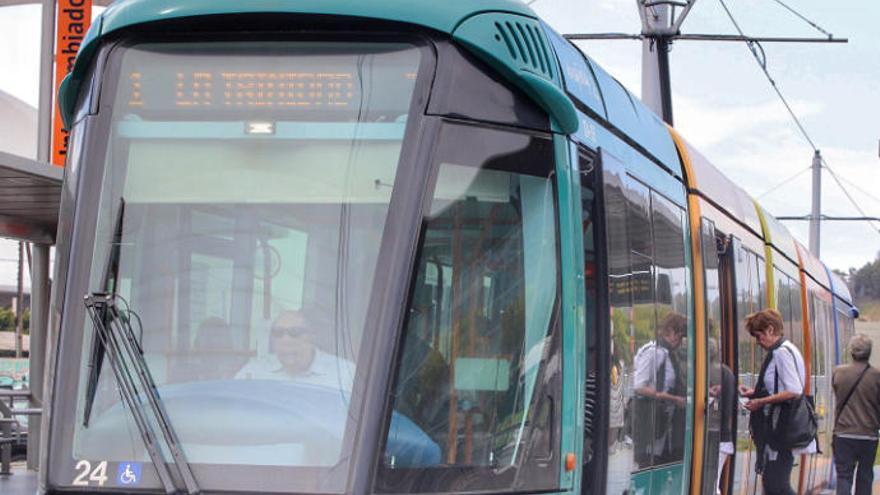 Metrotenerife abre un proceso de selección para buscar conductores del tranvía
