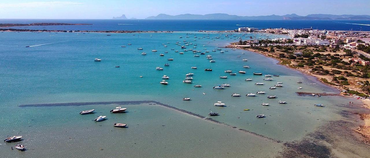 Vista aérea de s'Estanydes Peix tomada en la tarde de ayer