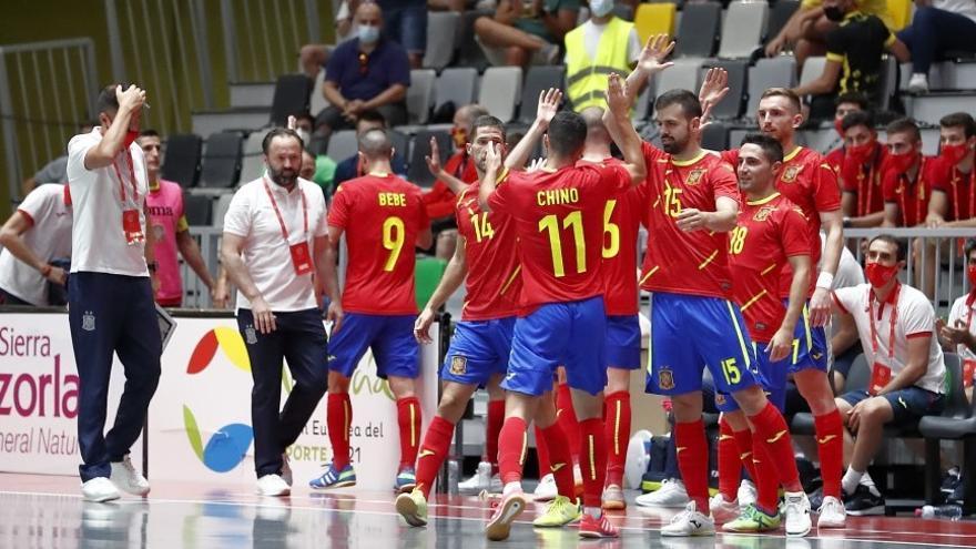 España golea antes de tomar rumbo al Mundial de Lituania