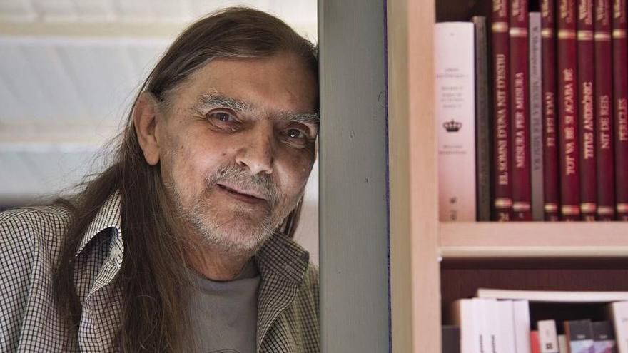 «En una novel·la és més important la versemblança que la veracitat»