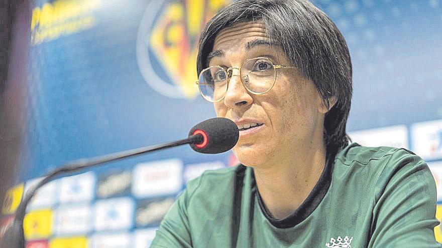 Sara Monforte, entrenadora del Villarreal Femenino: «El Alavés nos va a exigir mucho»