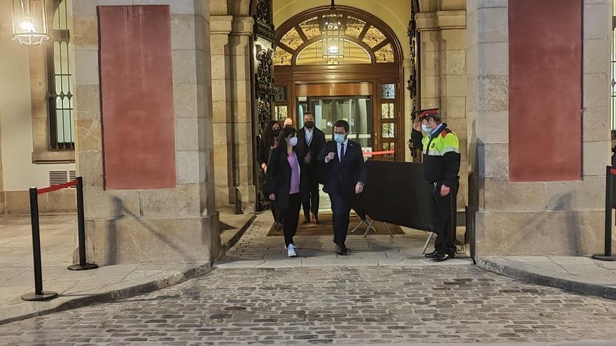 Junts se reúne con Aragonès para trasladarle su contrapropuesta para formar Govern