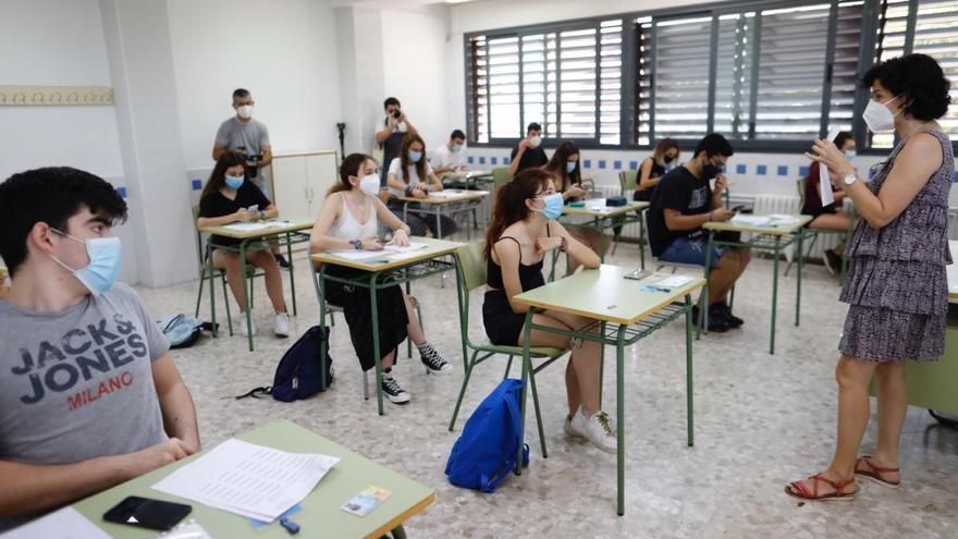 La selectividad más multitudinaria y atípica comienza hoy en 470 institutos valencianos