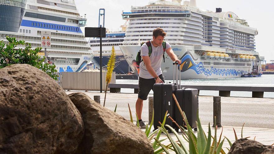 El Puerto de La Luz crece en octubre y tira de la economía portuaria