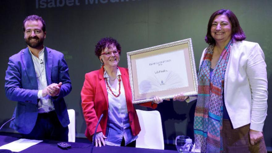 Isabel Medina, una maestra que deseaba leer cuentos canarios a los niños