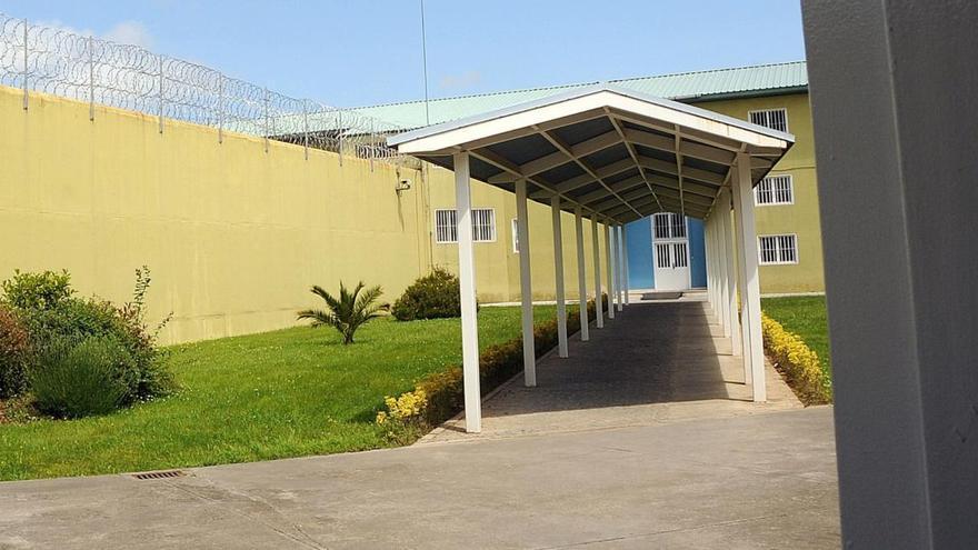 Cuatro funcionarios de la cárcel de Asturias dan positivo por coronavirus