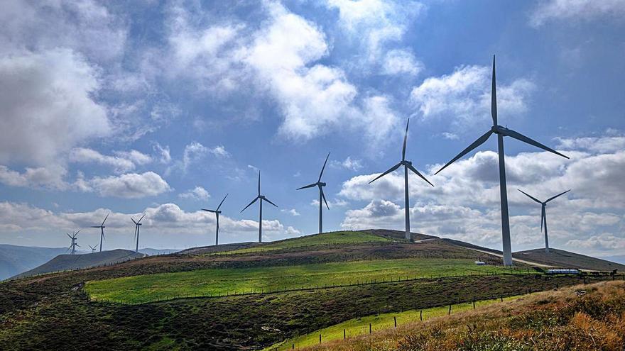 Iberdrola ya tiene operativos sus cuatro parques eólicos en Asturias