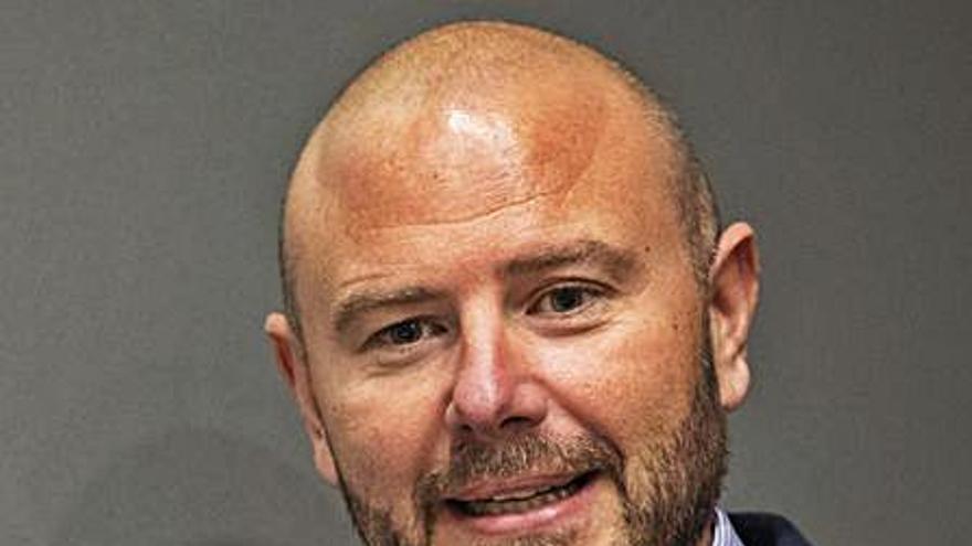 Gaspar se reivindica tras tres años al frente de la diputación por la eliminación de boato