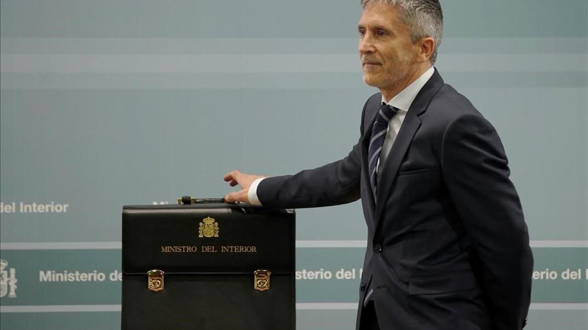 Marlaska insiste en hablar de lazos amarillos en la Junta de Seguridad pese al rechazo del Govern