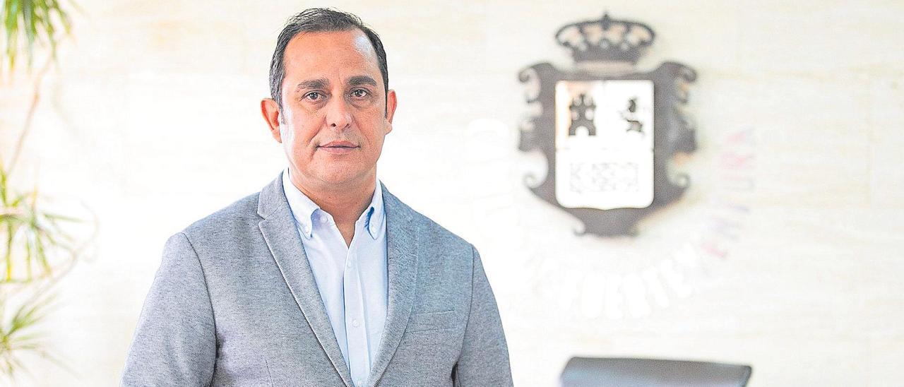 Blas Acosta, presidente del Cabildo.