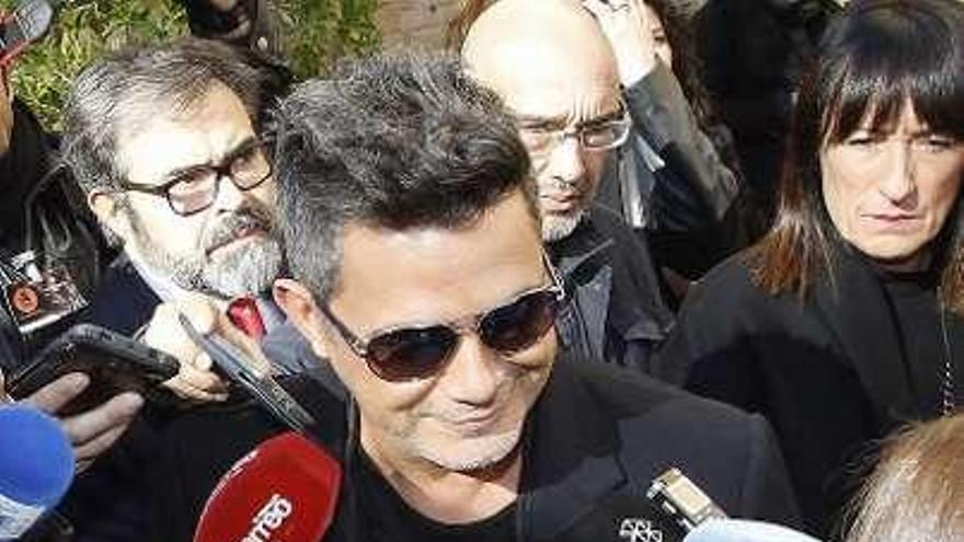 """Alejandro Sanz, Ondas a Artista del Año: """"El éxito se lo debo a la gente que no me suelta"""""""