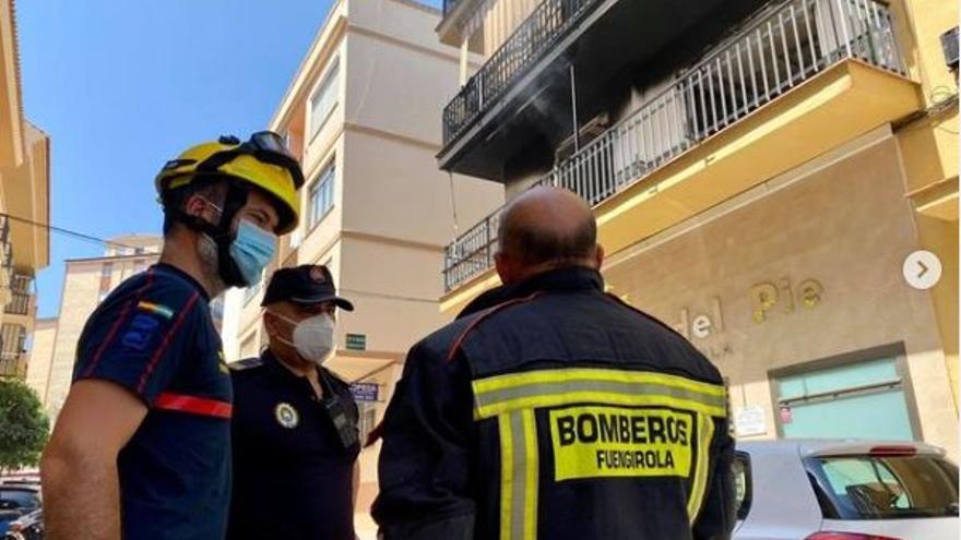 Heridos leves una mujer y un menor en el incendio de una vivienda en Fuengirola