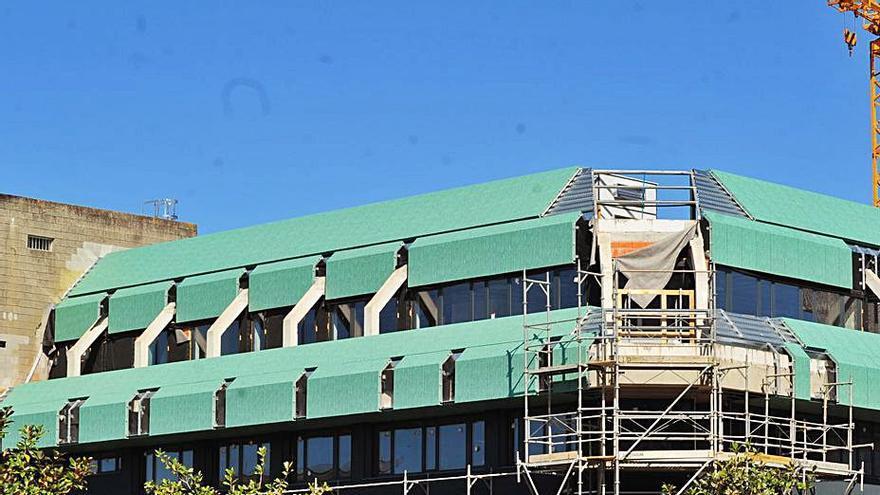 La renovada imagen del edificio del ISM en Vilagarcía