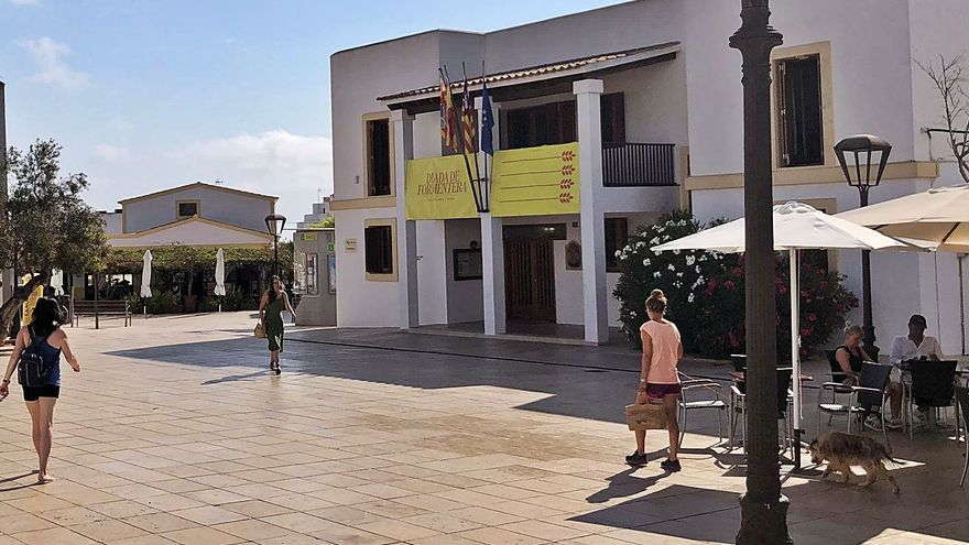 Formentera reclama a las compañías telefónicas una mejora en la cobertura móvil